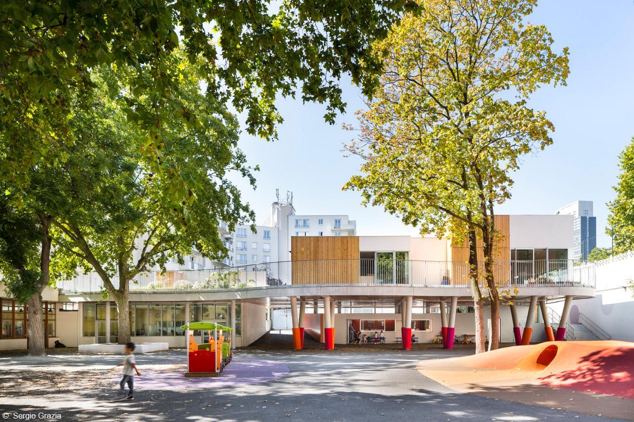 Внутренний дворик школы Ecole Sonia Delaunay