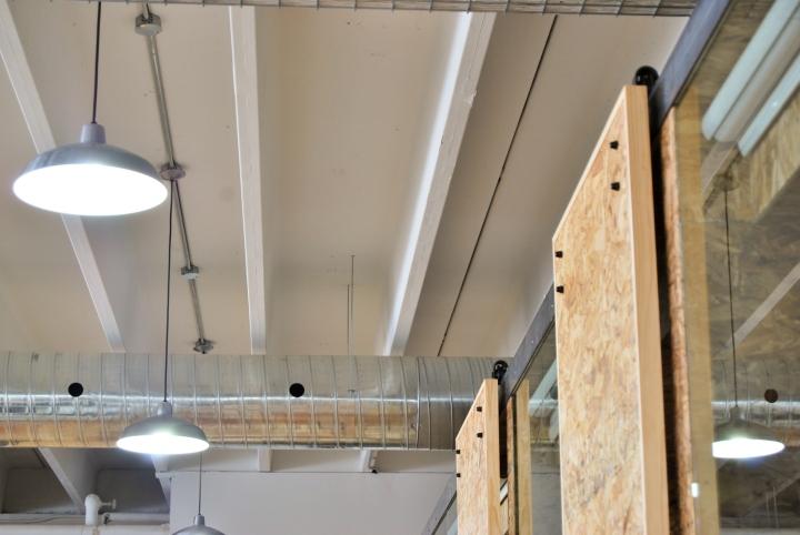 Экологичный интерьер офиса в Монреале - скромный дизайн