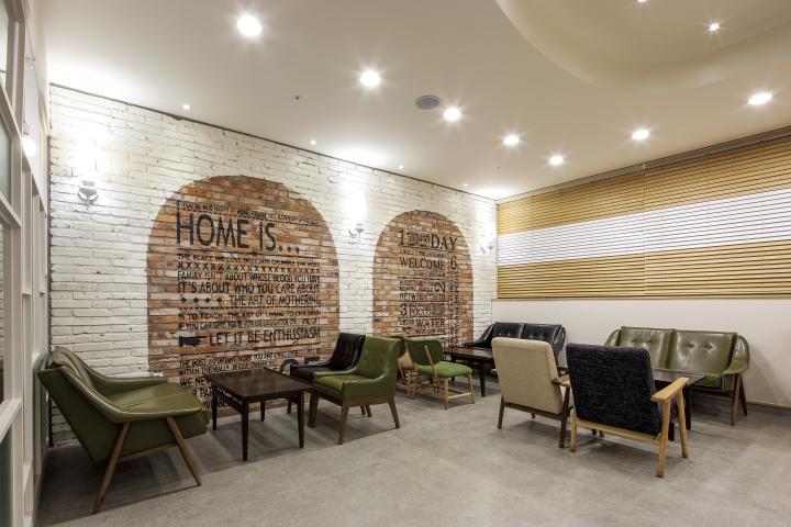 Зал ожидания семейной стоматологической клиники в Корее