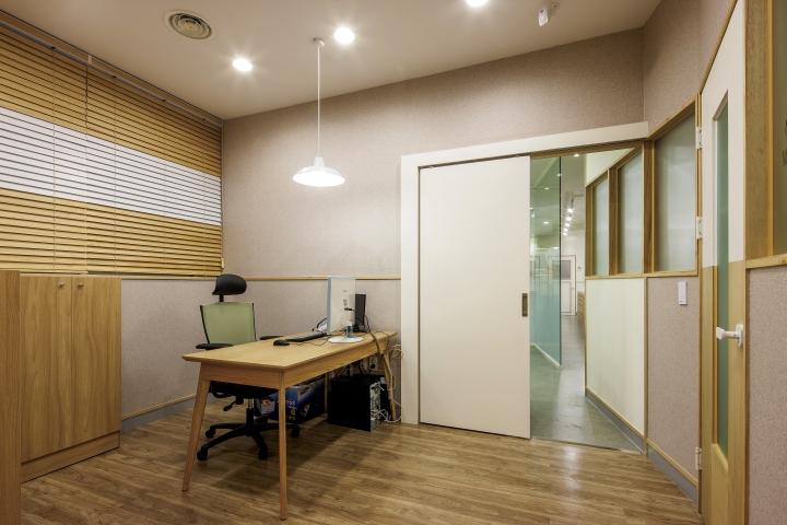 Прихожая семейной стоматологической клиники в Корее