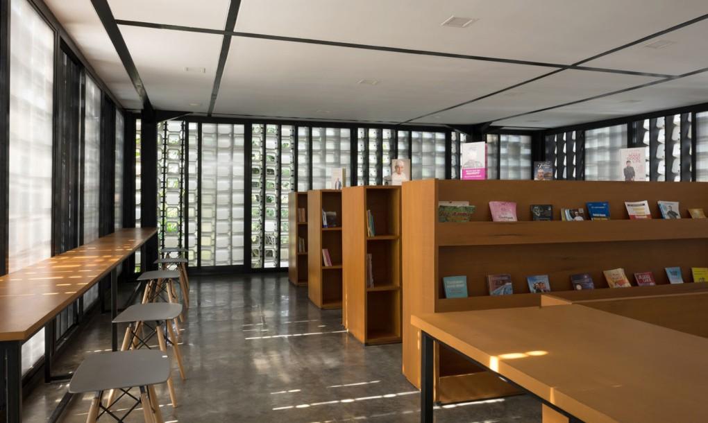 Фасад здания из пластика: вид изнутри