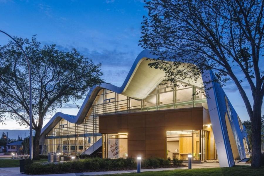 Дизайн общественной библиотеки Jasper Place Branch в Канаде