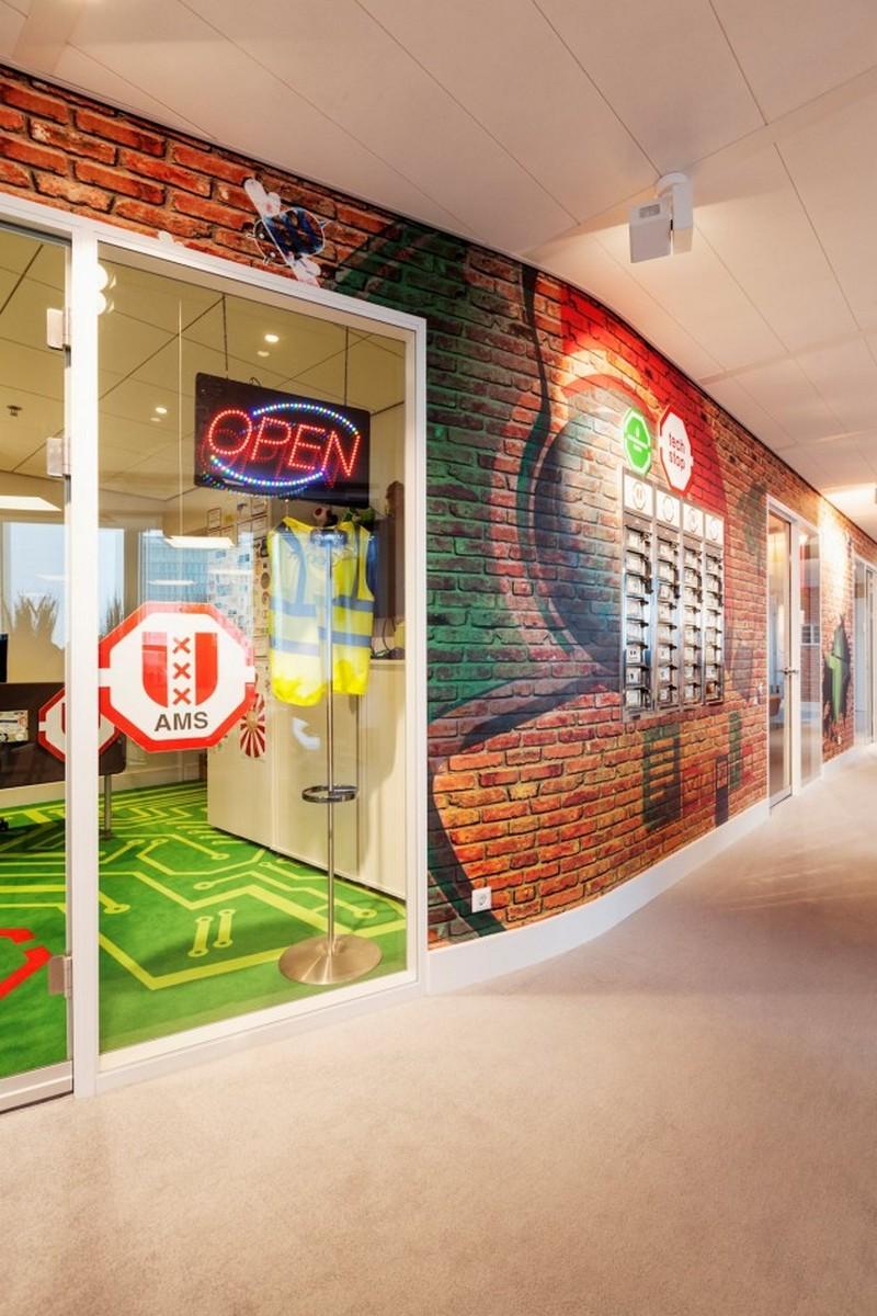 Красивое оформление стен офиса Google