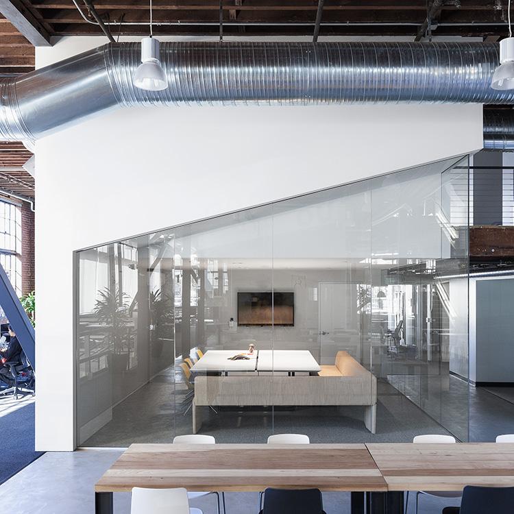 Комната для переговоров в штабе Пайнтерест в Сан-Франциско