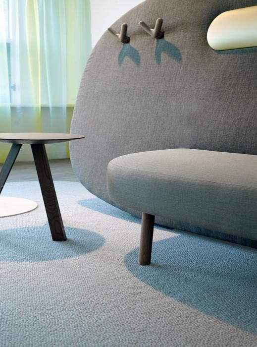 Дизайнерская мебель в клинике имени Александра Монро