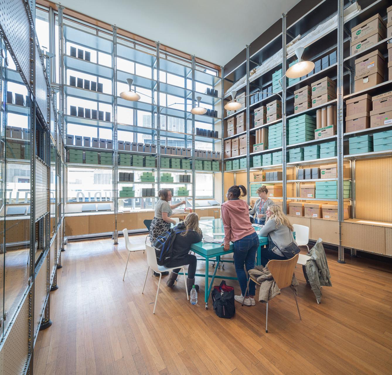 Идея интерьера архивного помещения от Джонатана Таки