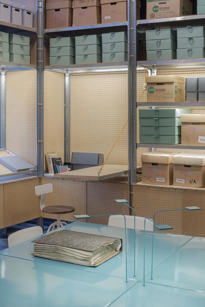 Идея интерьера архивного помещения от Jonathan Tuckey фото 9