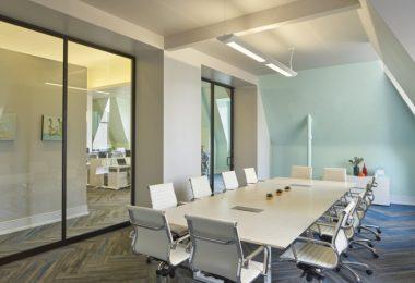 Отделка офиса: дизайн в нейтральных тонах