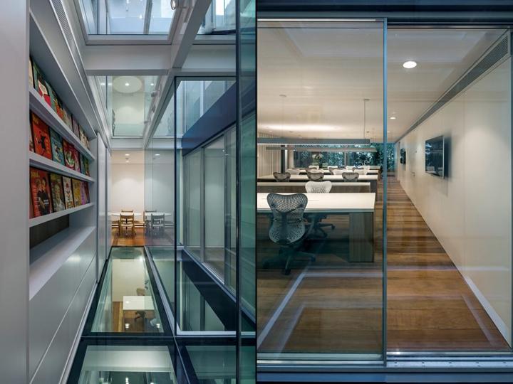 Интересный интерьер офиса Aníbal Building