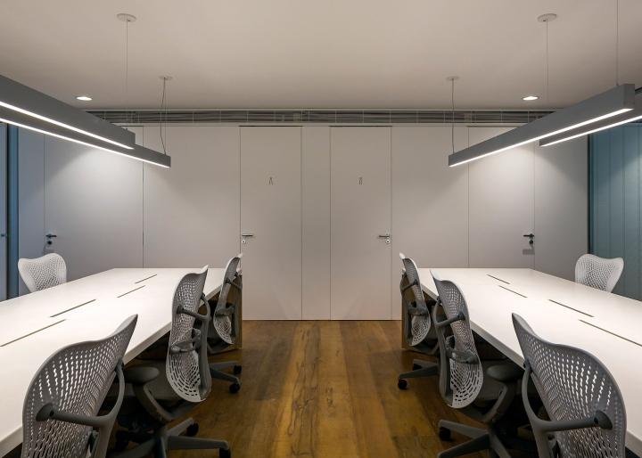 Интерьер конференц-зала в офисе Aníbal Building