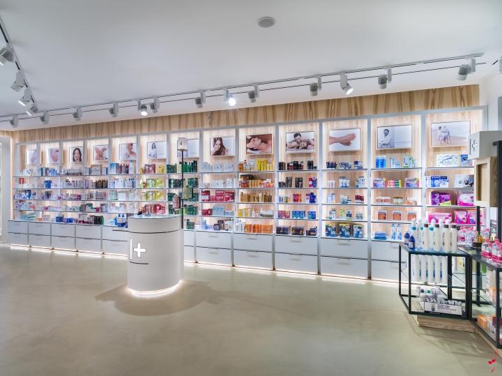 Интерьер аптеки 30 м²