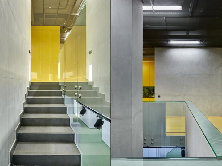 Лестничные пролёты в офисе компании «Альфа-Строй»