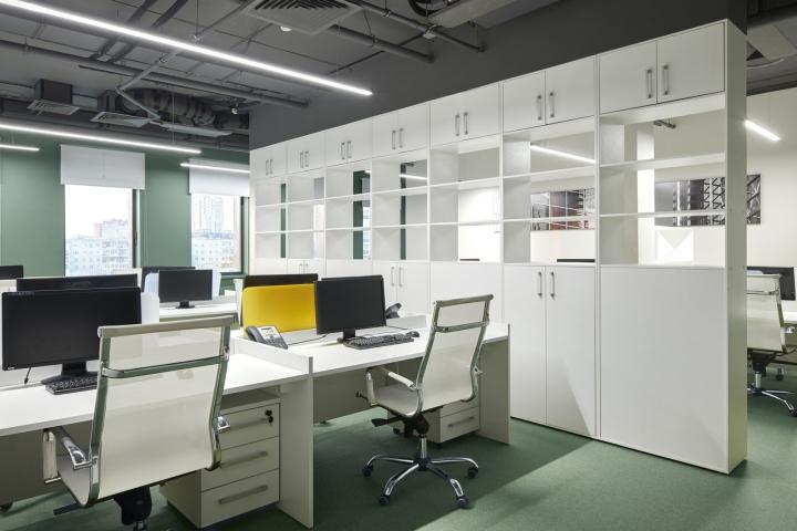 Рабочие места в офисе компании «Альфа-Строй»