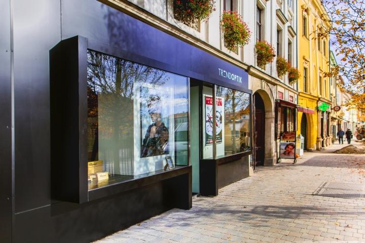 Интерьер магазина оптики: фасад заведения