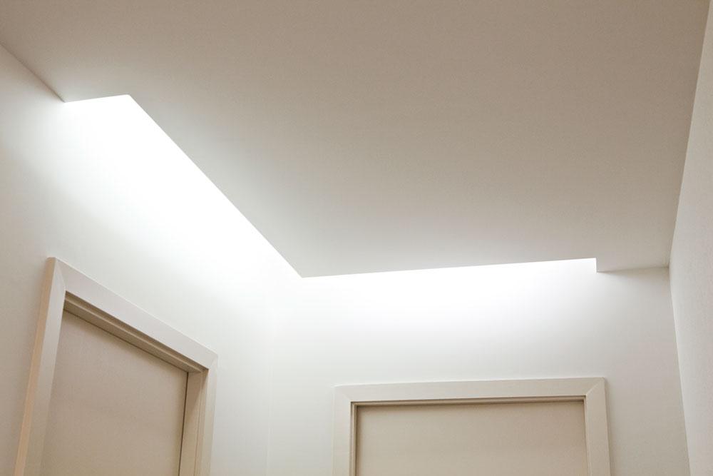 Интерьер маленького салона красоты: мягкая подсветка