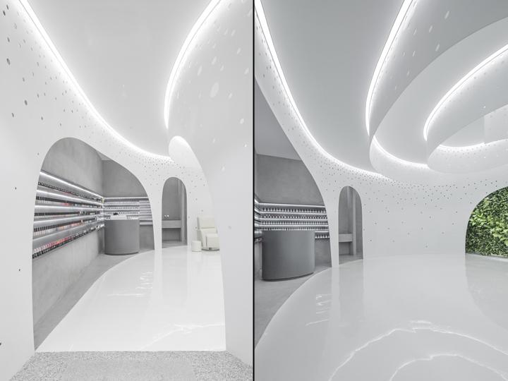 Интерьер маникюрного салона: спираль на потолке