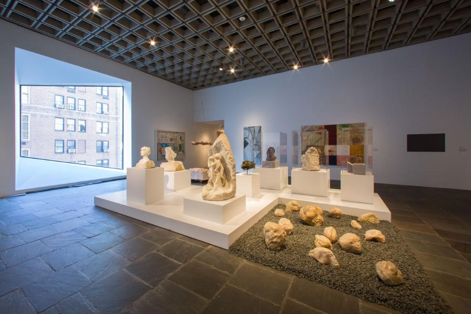 Светлый дизайн выставочного зала - Фото 2