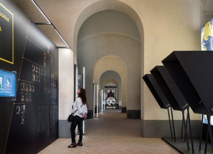 Интерьер музея, расположенном в отремонтированном замке Сфорца