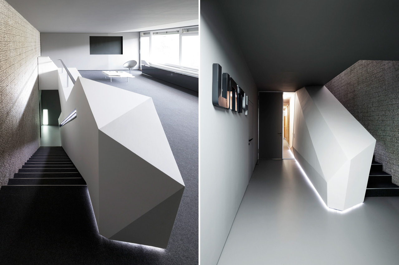 Геометрическая форма перила лестницы в интерьере офисных помещений