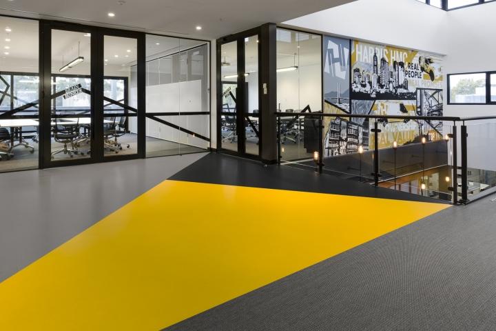 Интерьер офисных помещений от Hot Black Interiors, Австралия: второй этаж