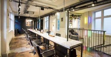 Новый интерьер парикмахерской для George Northwood
