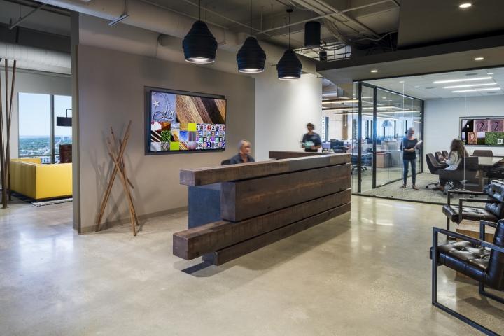 Интерьер рабочего офиса компании 22squared