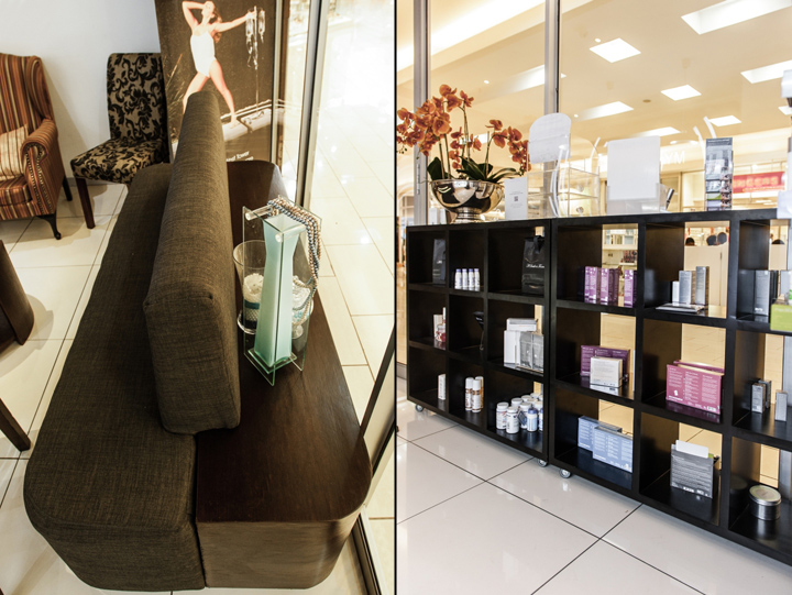 Интерьер салона красоты – Стойка с косметикой