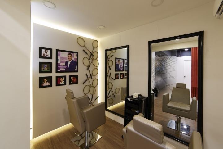 Интерьер салона красоты: большие зеркала