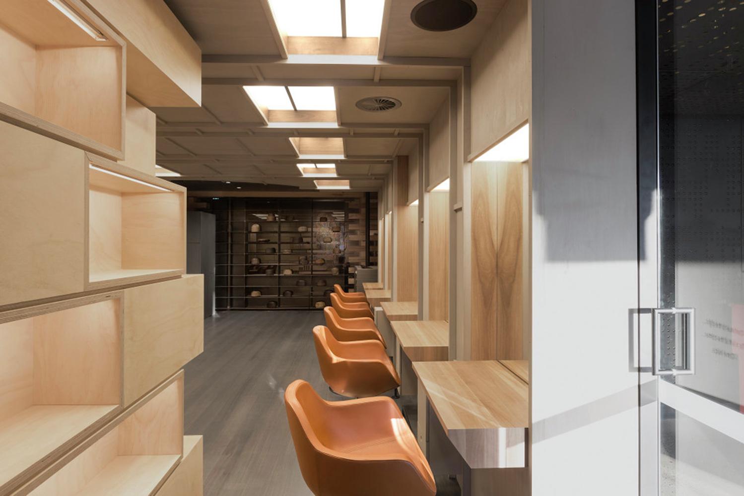Интерьер салона красоты: парикмахерский зал