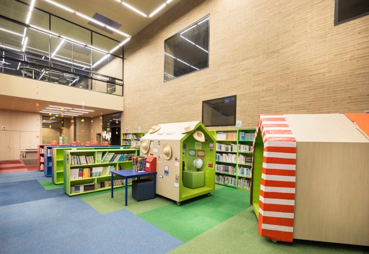 Интерьер школы: отдельные кабинки для уединения