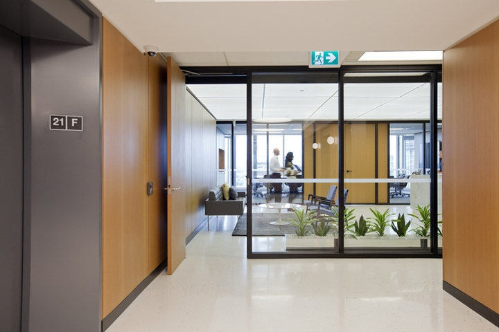 Интерьер современного офиса от Evoke International Design