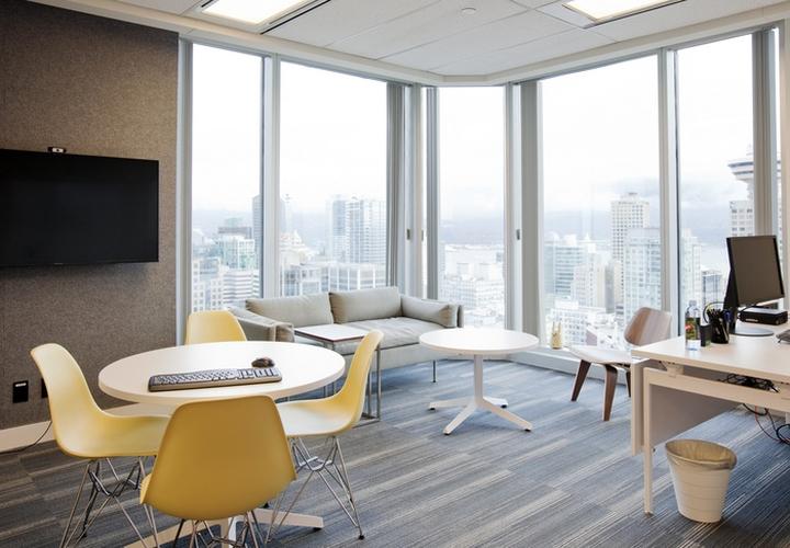 Интерьер современного офиса на 21 этаже в центре Ванкувера