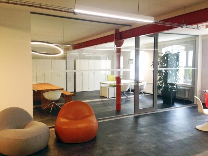 Интерьер современного офиса компании Rosenthal HQ - место для отдыха