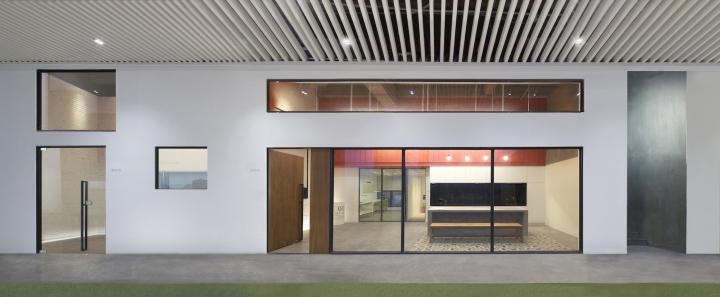 Футуристичный интерьер современного офиса в Китае. Фото 3