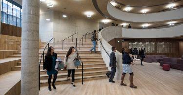 Интерьер современной школы на территории Оксфорда