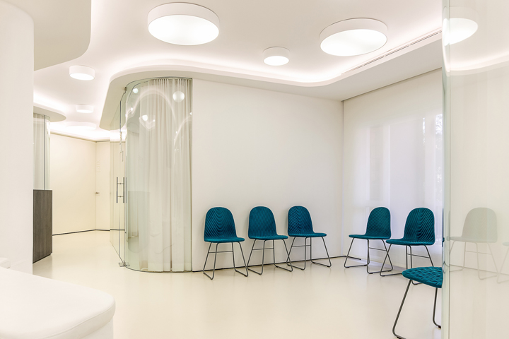 Интерьер стоматологической клиники: зона ожидания