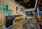 Невероятный, интересный и яркий интерьер тату-салона в Китае