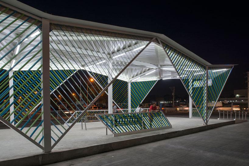 Оригинальный фасад вокзала - Фото 3