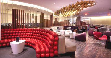 Интерьер зала ожидания в Нью-Йоркском аэропорту от Slade Architecture