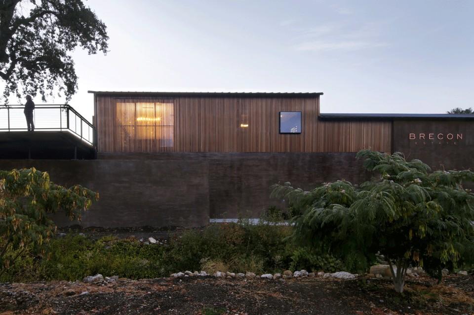 Проект реконструкции калифорнийской винодельни Brecon Estate получил награду AIA Design Awards в 2016 году