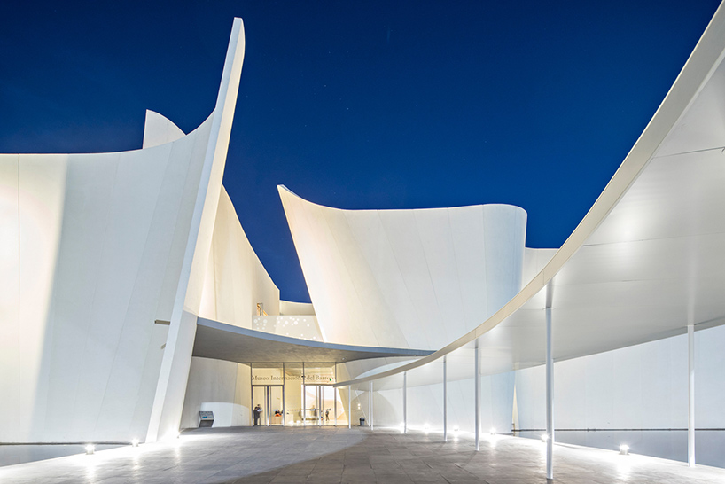 Светлые интерьеры современных музеев