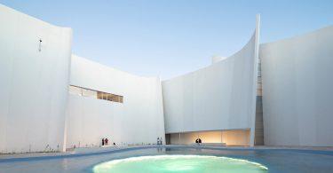 Toyo Ito внёс свою лепту в интерьеры современных музеев, закончив Музей барокко