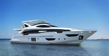 Стильная итальянская яхта Azimut Grande 95RPH