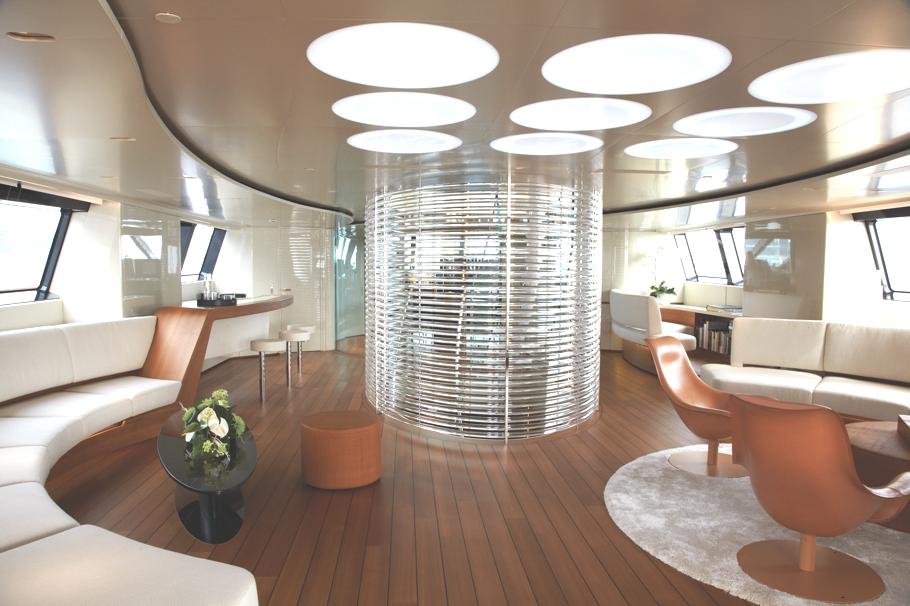 Итальянская яхта Panthalassa: гостиная-кинозал
