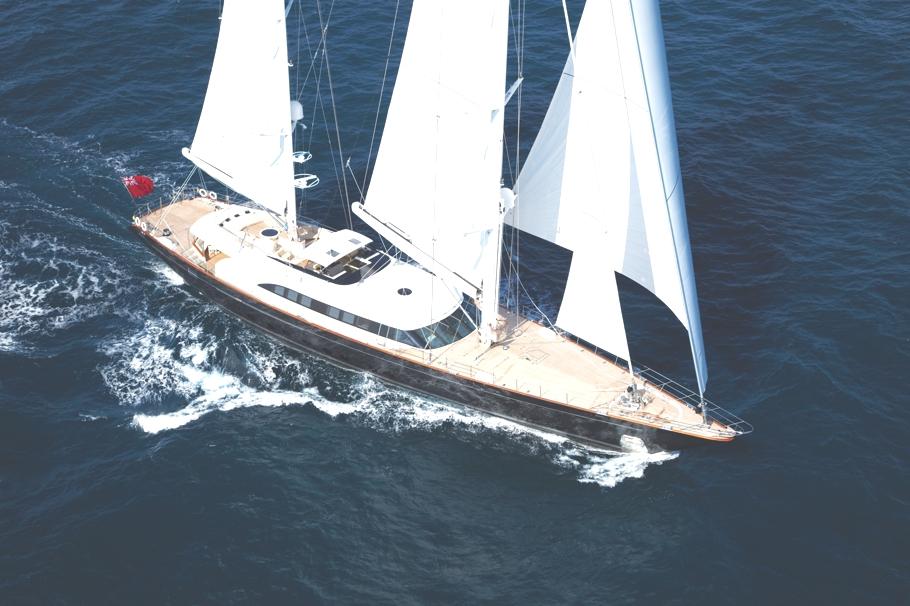 Итальянская яхта Panthalassa в море - фото 1