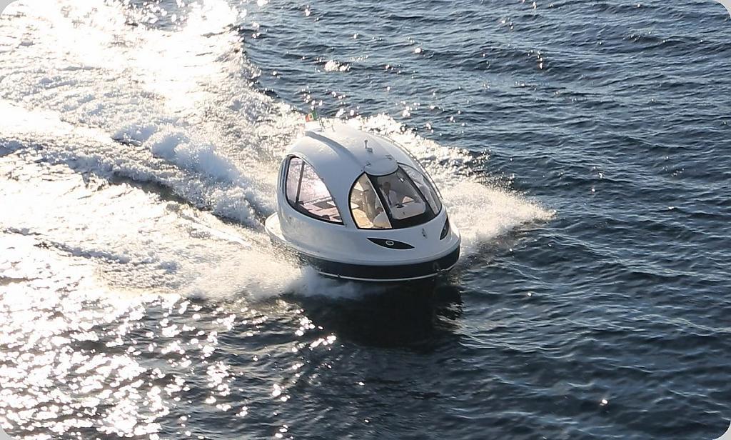 На международной выставке Monaco Boat Show была представлена мини-яхта Jet Capsule
