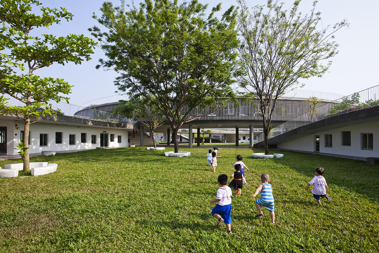 Оригинальный дизайн детского развивающего центра «Пломбир» в России