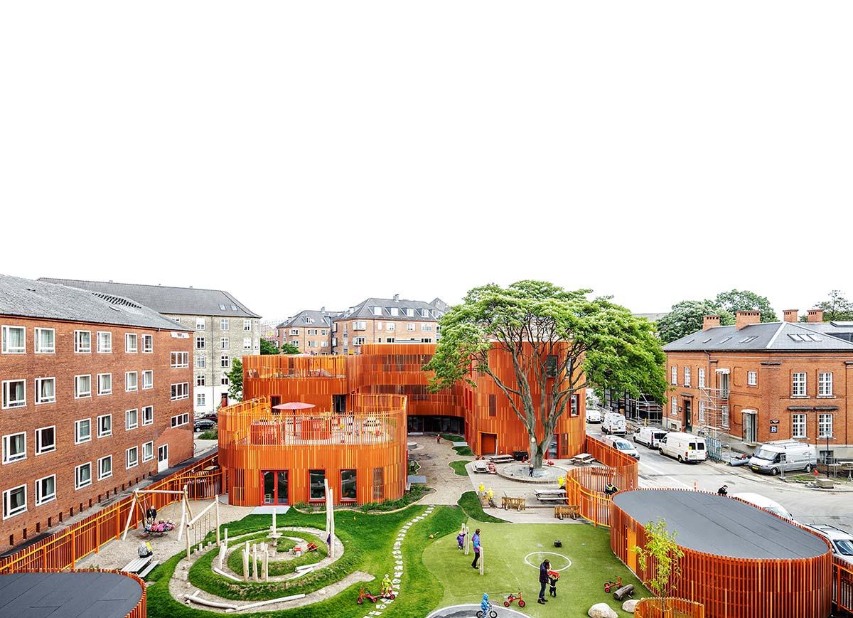 Комната для творчества детского развивающего центра «Пломбир» в России
