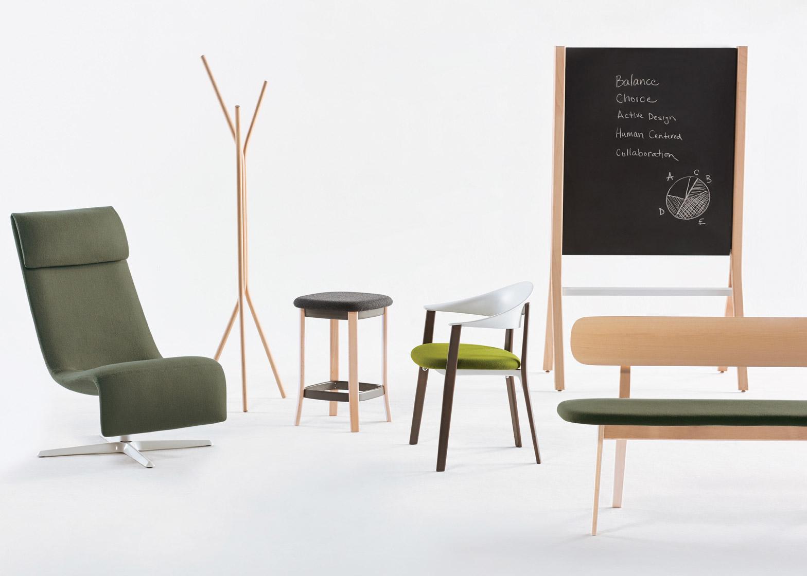 Коллекция офисной мебели из дерева