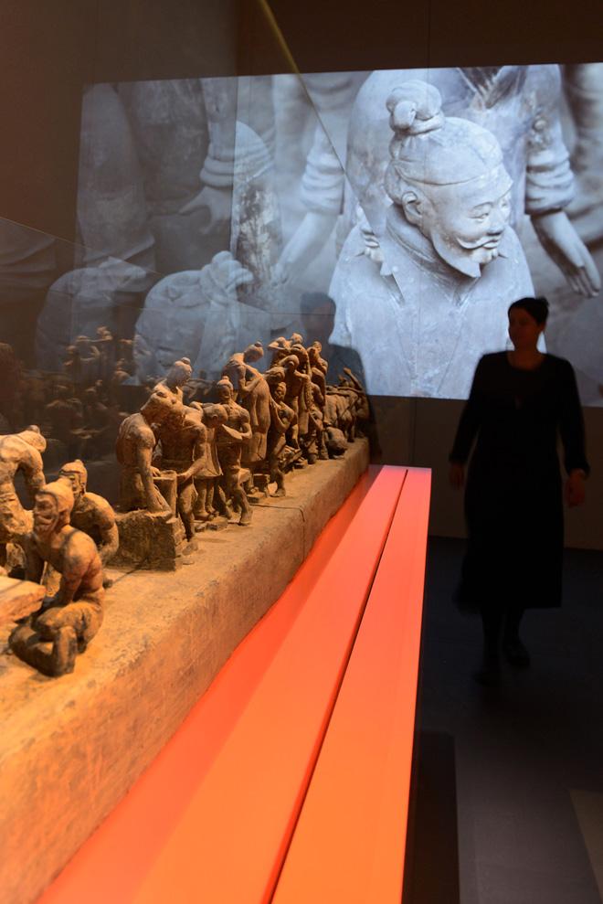Выставка в историческом музее: терракотовые воины императора Цинь
